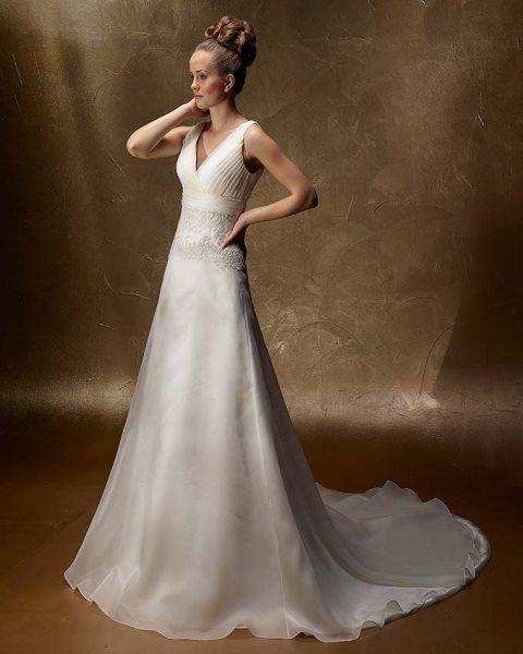 Svadobné šaty - Model 98050