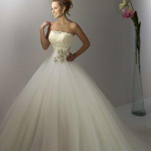 Svadobné šaty - Model 13084